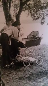 Straipsnio herojė su sūnumi karališkame veimėlyje prieš 30 metų
